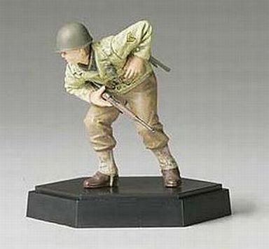 【中古】プラモデル 1/35 アメリカ歩兵攻撃チーム 下士官B 「MMフィギュアコレクション(完成品)シリーズ」
