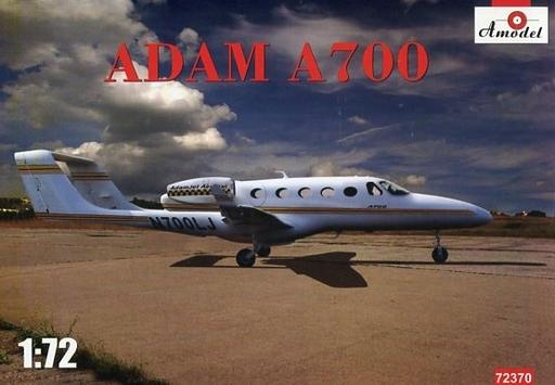 【新品】プラモデル 1/72 アダム A700 双発ジェット・ビジネス機 [AM72370]