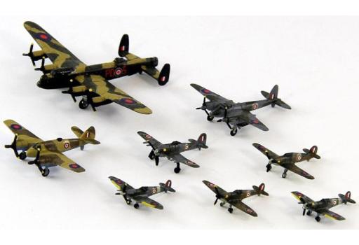 【新品】プラモデル 1/700 WWII イギリス空軍機セット 1 スペシャル メタル製ショートスターリング 1機付き 「スカイウェーブシリーズ」 [S32SP]