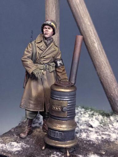 The Bodi(ザ・ボディ) 新品 プラモデル 1/35 WW.II 米陸軍 憲兵w/薪ストーブ アルデンヌ 1944年 レジンキャストキット [TBO35170]