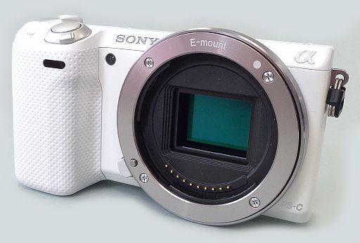 【中古】カメラ デジタル一眼カメラ α NEX-5R ホワイト[NEX-5R(W)](状態:箱(内箱含む)欠品)