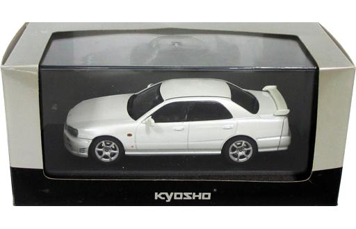 【中古】ミニカー 1/43 Nissan Skyline 25GT-X Turbo First-term type(ホワイトパール)[03251W]