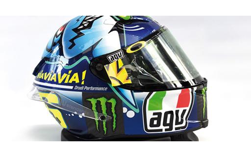 【新品】ミニカー 1/8 AGV ヘルメット バレンティーノ・ロッシ モトGP ミサノGP 2015 [398150096]
