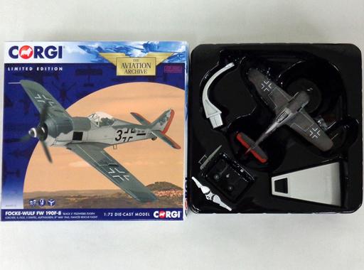 【中古】ミニカー 1/72 フォッケウルフ FW190F-8. ドイツ空軍 `Black 3`. II./SG2. 1945 「THE AVIATION ARCHIVE」 [AA34316]