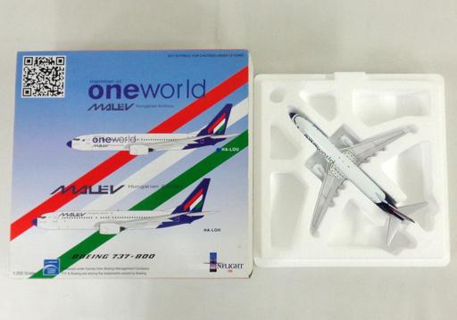 【中古】ミニカー 1/200 MALEV Hungarian Airlines Boeing 737-800 member of oneworld #HA-LOU [IF7380512A]