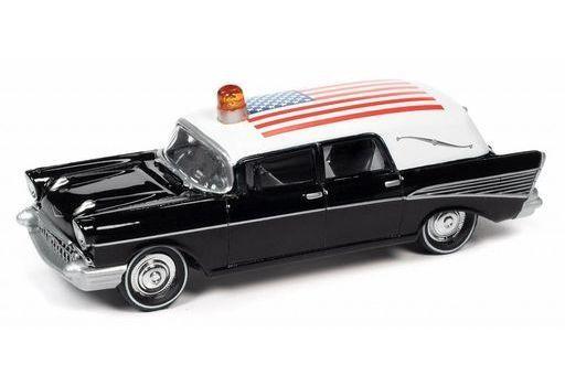 ジョニーライトニング(JOHNNY LIGHTNING) 予約 ミニカー 1/64 1957 シェビー 霊柩車 アメリカ国旗(ブラック×ホワイト) [JLSP144]