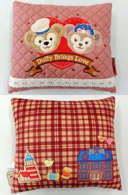 【中古】クッション・抱き枕・本体(キャラクター) ダッフィー&シェリーメイ クッション 「Duffy Brings Love」 東京ディズニーシー限定