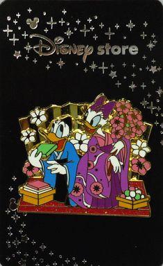 【中古】バッジ・ピンズ(キャラクター) ドナルド&デイジー(雛祭り2008ver.) ピンズ 「ディズニー」 ディズニーストア限定