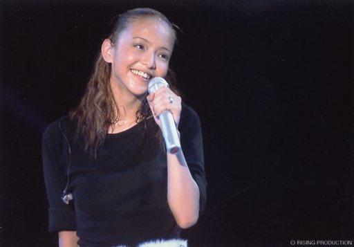 笑顔の安室奈美恵さん