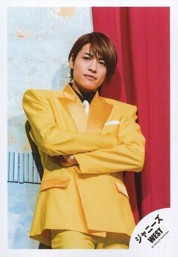黄色ジャケット中間淳太