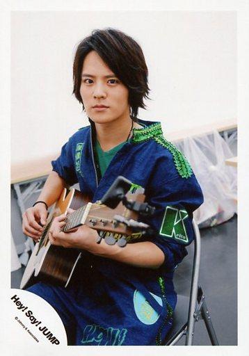 15夏 コンサートパンフ&グッズ撮影オフショットの岡本圭人