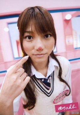 【中古】生写真(AKB48・SKE48)/アイドル/AKB48  高城亜樹/上半身・白のカーディガン・右手指差し・鼻/週刊AKB
