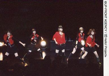 【中古】生写真(ハロプロ)/アイドル/Hello! Project Hello! Project/集合(5人)/横型・ライブフォト・全身・衣装赤黒・帽子・インカム・背景黒/公式生写真