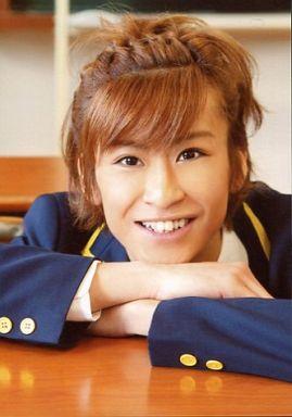 赤澤燈(富井実)/バストアップ・衣装青色のブレザー・笑顔・キャラクターショット/舞台「少年ハリウッド~僕らのオレンジにまた逢いたい~」
