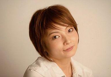 齋藤久美子(四楓院夜一)/横型・顔アップ・ブラウス白・右向き/ROCK MUSICAL BLEACH THE ALL