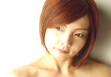 齋藤久美子(四楓院夜一)/横型・顔アップ・目線左/ROCK MUSICAL BLEACH/公式生写真