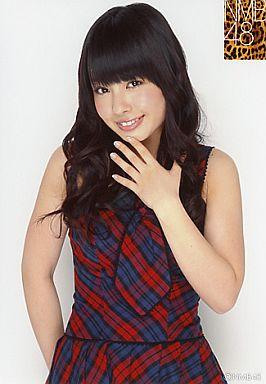 【中古】生写真(AKB48・SKE48)/アイドル/NMB48 山田菜々/上半身・衣装チェック・左手あご・右手後ろ/公式生写真