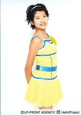 【中古】生写真(ハロプロ)/アイドル/Berryz工房 Berryz工房/徳永千奈美/膝上/両手腰後ろ/ステージ衣装黄色/青いベルト/公式生写真