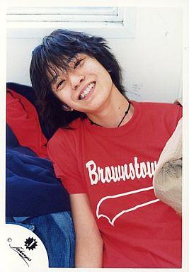 ジャニーズJr/渋谷すばる/シャツ赤・上半身・顔斜め/公式生