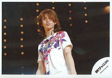 大倉忠義/上半身/横型/花柄白Tシャツ