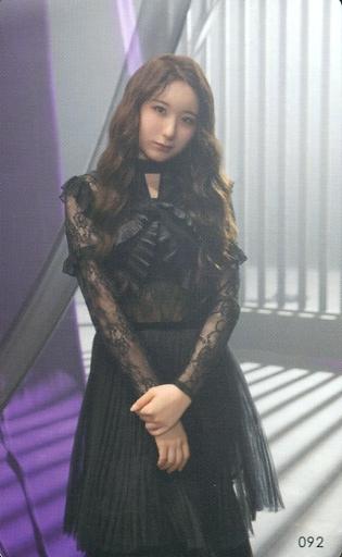 092 : IZ*ONE/イ・チェヨン/『Vampire』リリース記念 ランダムフォトカード Vampire MVオフショットver