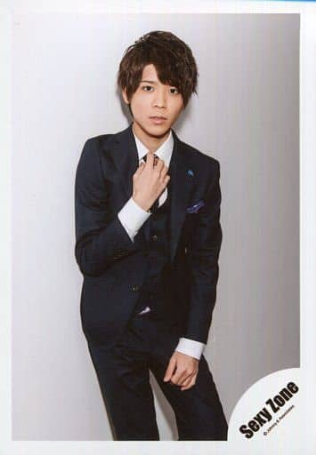 SexyZone/松島聡/膝上・衣装スーツ・右手ネクタイ/「ROCK THA TOWN」PV&ジャケ写撮影オフショット/公式生写真