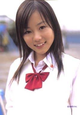 駿河屋 -Dream/阿井莉沙/上半身・衣装白・制服・リボン赤/公式生 ...