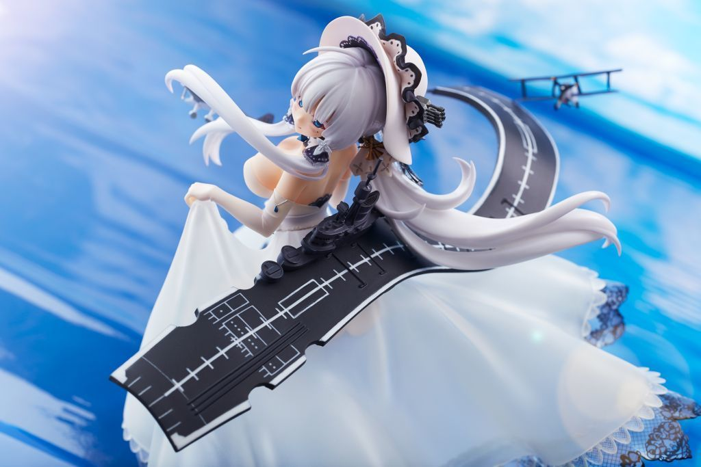 "Illustrious ""Azure Lane"" 1: 8 painted PVC & ABS"