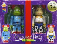 [箱欠品] BE@RBRIC-ベアブリック- 32.エイリアン クリスマスVer.&ジェシー クリスマスVer. 「Happyくじ ディズニー Christmas Party BE@RBRIC」 ペアボックス賞