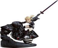 セイバー/アルトリア・ペンドラゴン〔オルタ〕&キュイラッシェ・ノワール 「Fate/Grand Order」 1/8 ABS&PVC 製塗装済み完成品