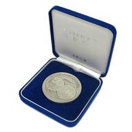 鳳凰と桐 新500円貨幣発行記念メダル