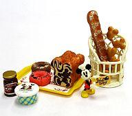朝食はシンプルに 「ディズニーキャラクター ミッキー&ミニー スイートベーカリー」