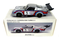 [破損品] 1/18 PORSCHE 911 CARREEA RSR TURBO 2.1 BRAND HATCH 1974 DUNLOP #5(シルバー×レッド×ブルー) 「MILLENNIUM」 [87474]