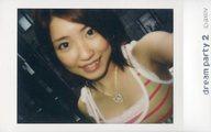 dream/山本紗也加/バストアップ・衣装白・ピンク・緑・ボーダー柄・斜め・歯見せ/「dream PARTY2」物販生チェキ