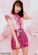 宮脇咲良/背景ピンク・白/「AKB48総選挙! 私服サプライズ発表2018」初回限定特典生写真