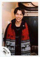 ジャニーズWEST/重岡大毅/上半身・衣装黒赤・体正面・笑顔/「ラッキィィィィィィィ7」ジャケ/公式生写真