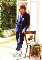 矢田悠祐(不二周助)/全身・衣装紺・左手椅子・私服ショット/ミュージカル「テニスの王子様2nd」