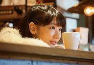 柏木由紀/顔アップ・横型・カウンター越し・カップ/DVD・BD「ミエリーノ柏木」封入特典