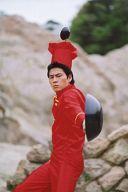 アクサル/松木賢三/ポストカードサイズ・膝上・中華鍋・お玉・料理人赤/第6回公演「最遊記」/公式生写真