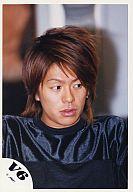 V6/森田剛/衣装黒・バストアップ・目線右/公式生写真