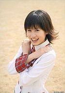 前田敦子/上半身/両手胸の前でクロス/制服/スカートひらり特典生写真