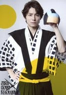 "Takuma Wada (Kazuki Shimizu) / Knee / Left hand wigs / Background white. Yellow · Character shot / stage ""Jesus Christ · Samurai Star - In the Halloween!"" Bromide"
