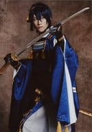 "Suzuki Hiroki / Knee · Costume Blue · Weapon · Background Tea · Character Shot / Stage ""Touken Ranbu"" Nature Hazime Honnoji ""Trading Bromide"